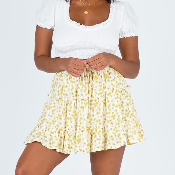 NWT Zelly skirt